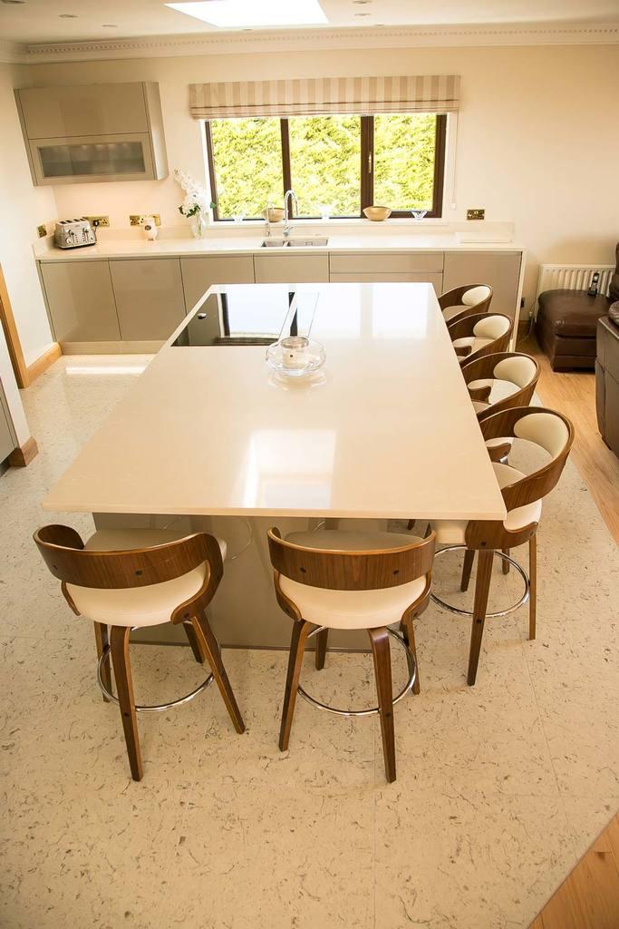 Botticino Quartz kitchen